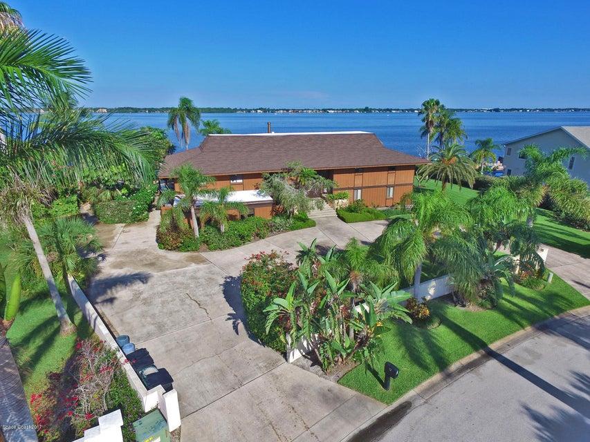 단독 가정 주택 용 매매 에 72 Country Club Cocoa Beach, 플로리다 32931 미국