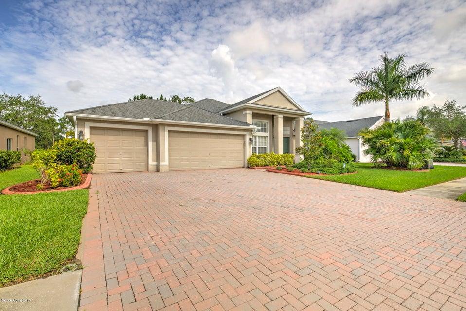 221 Brandy Creek Circle, Palm Bay, FL 32909