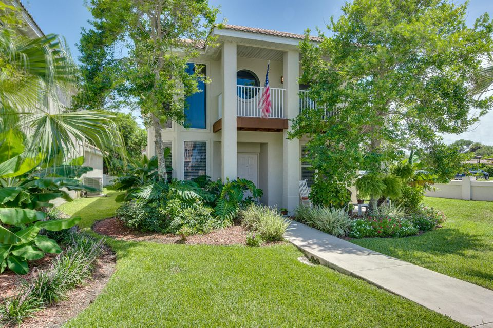 7020 Ridgewood Avenue, Cape Canaveral, FL 32920