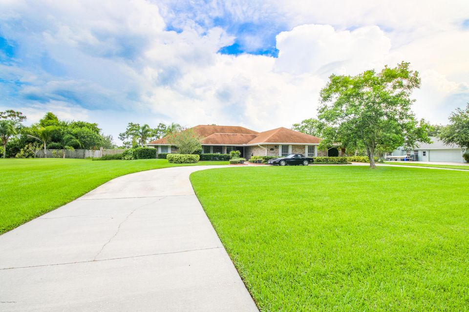 1774 Plantation Circle, Palm Bay, FL 32909