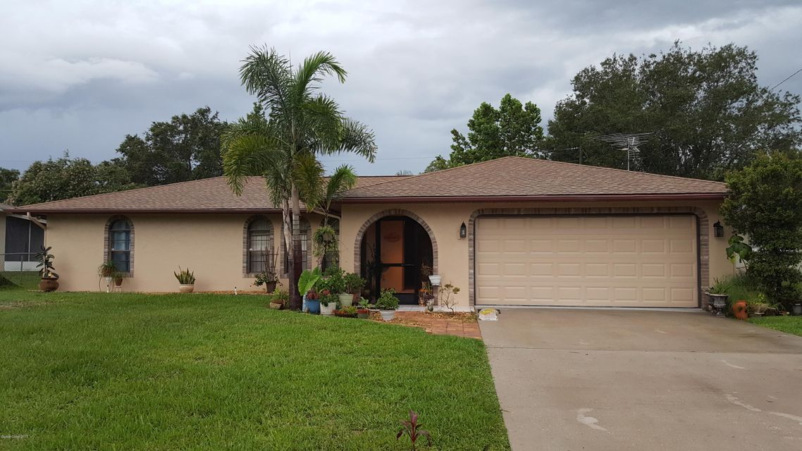 484 NE Heather Avenue, Palm Bay, FL 32907