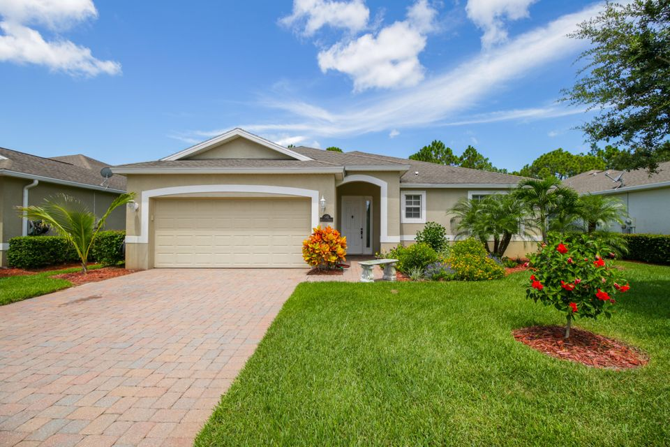 565 Gardendale Circle, Palm Bay, FL 32909