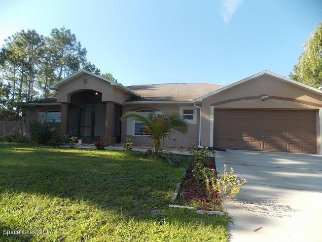564 SW Fitchburg Street, Palm Bay, FL 32908
