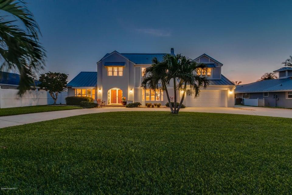 8 Willow Green Drive, Cocoa Beach, FL 32931