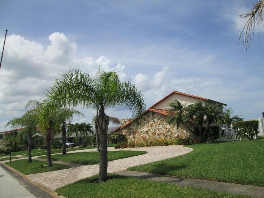 Частный односемейный дом для того Аренда на 215 Andros Cocoa Beach, Флорида 32931 Соединенные Штаты