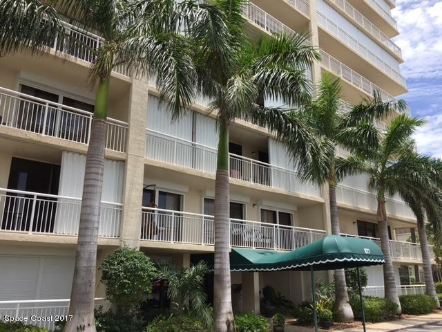 Casa para uma família para Locação às 877 N Highway A1a 877 N Highway A1a Indialantic, Florida 32903 Estados Unidos