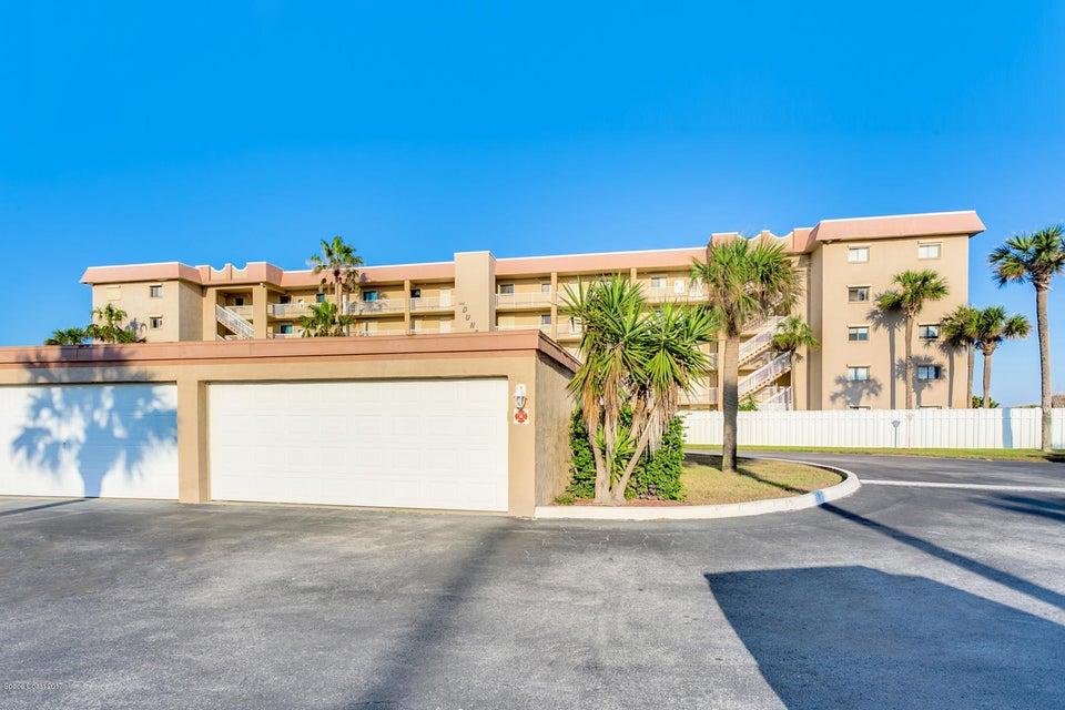Maison unifamiliale pour l à louer à 1415 N Hwy A1A Indialantic, Florida 32903 États-Unis