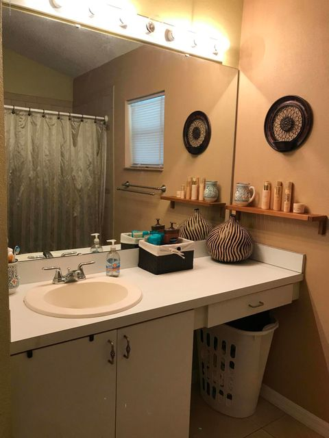 Additional photo for property listing at 2932 Courtland  Deltona, Florida 32738 Estados Unidos