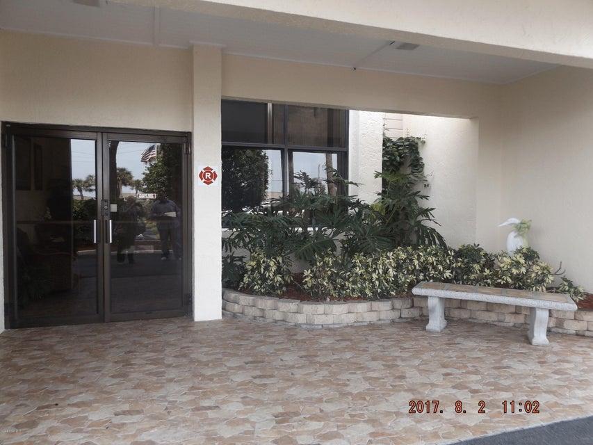Maison unifamiliale pour l à louer à 2725 N Highway A1a Indialantic, Florida 32903 États-Unis