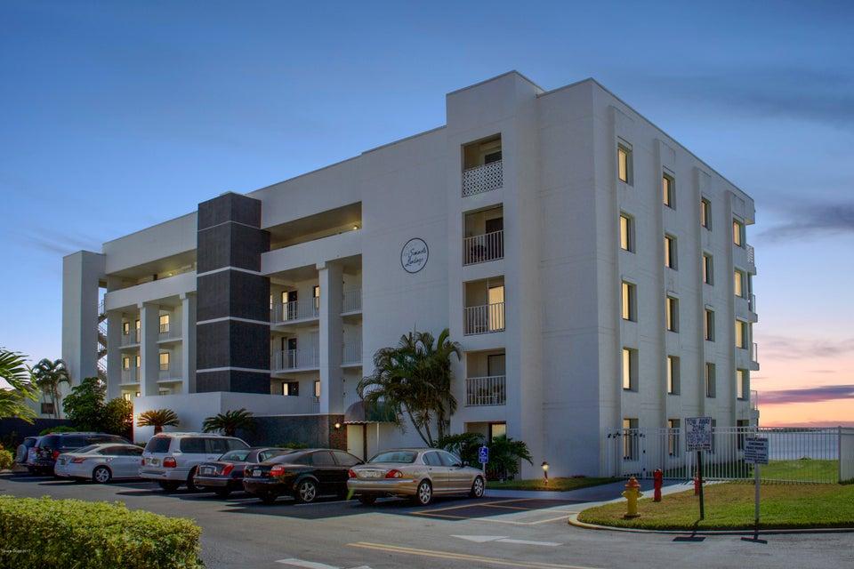 190 Seminole Lane 102, Cocoa Beach, FL 32931