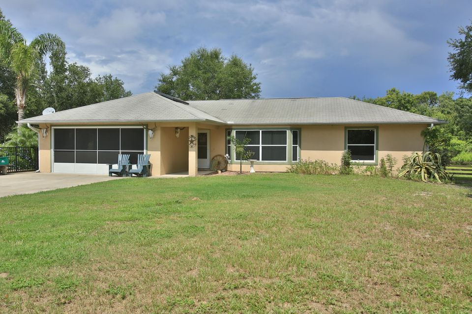 Vivienda unifamiliar por un Venta en 273 N Brooks Oak Hill, Florida 32759 Estados Unidos