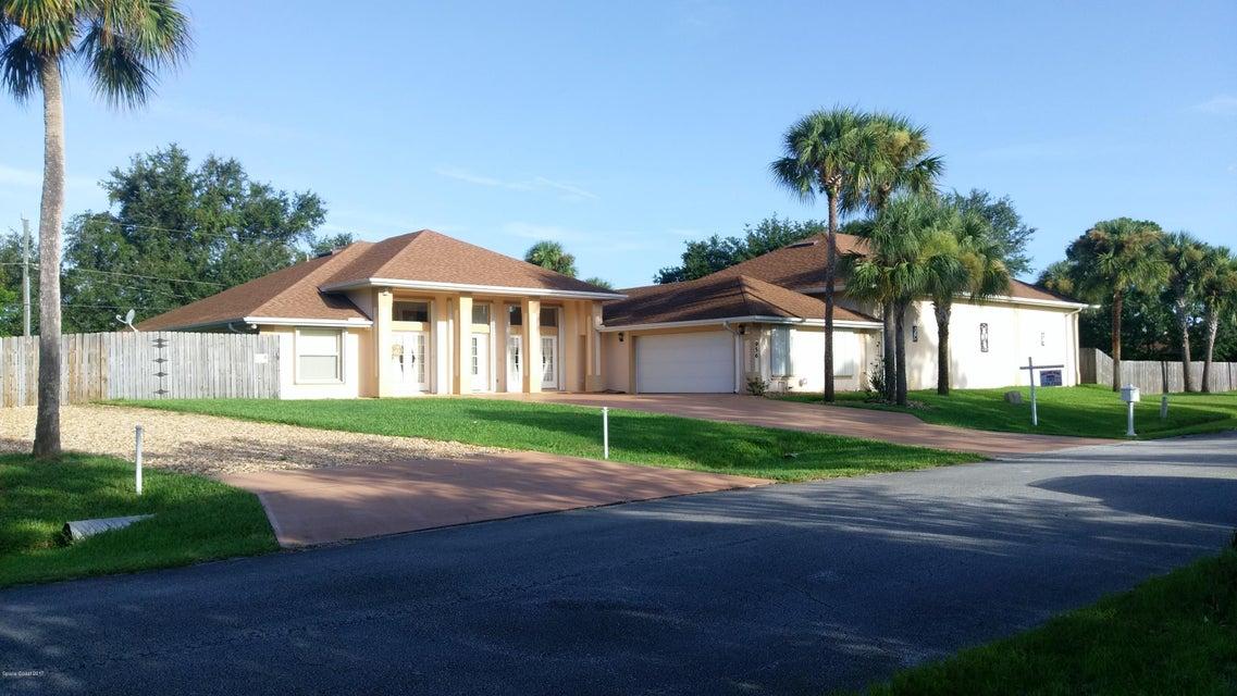 956 Nixon Circle, Palm Bay, FL 32907
