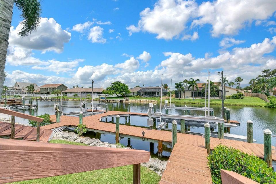 Maison unifamiliale pour l Vente à 835 Loggerhead Island 835 Loggerhead Island Satellite Beach, Florida 32937 États-Unis