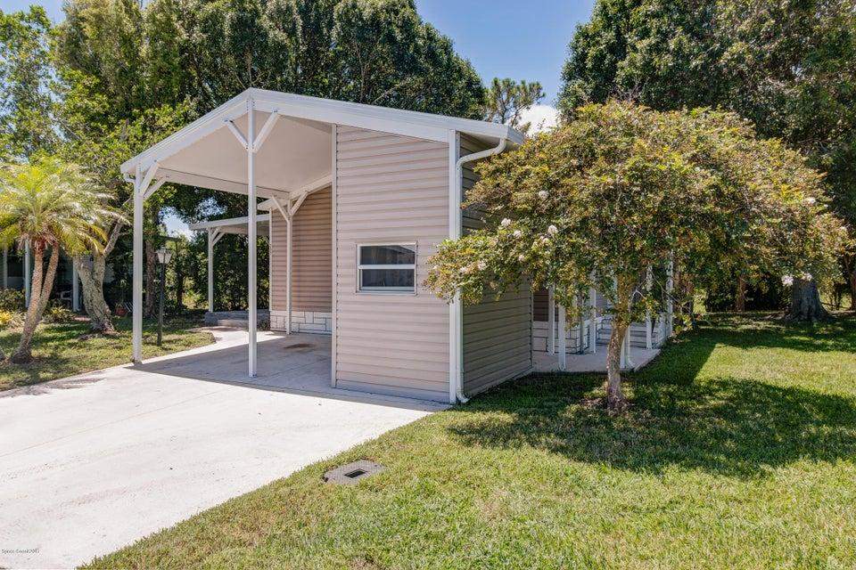 獨棟家庭住宅 為 出售 在 209 Calico Court 209 Calico Court Barefoot Bay, 佛羅里達州 32976 美國