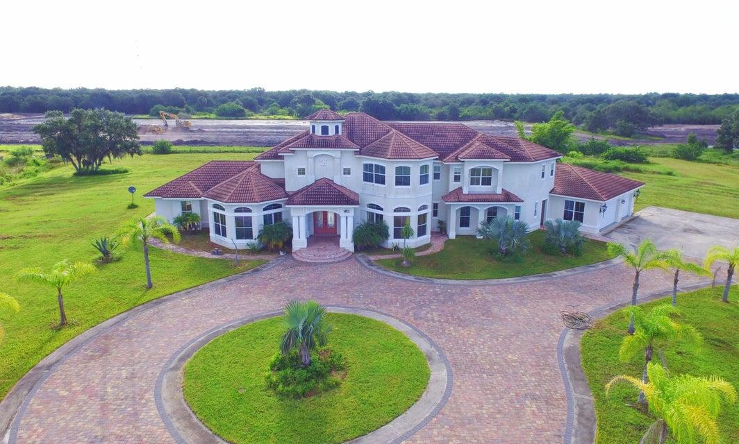 独户住宅 为 销售 在 9235 SE Babcock 9235 SE Babcock Palm Bay, 佛罗里达州 32909 美国