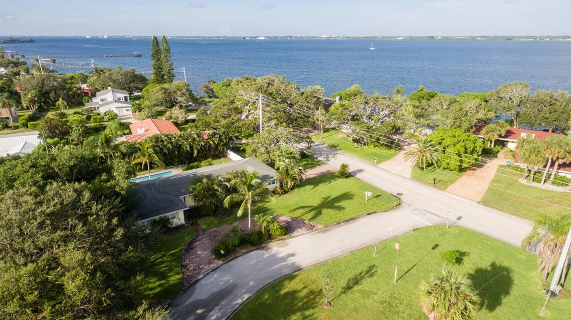 Moradia para Arrendamento às 509 Riverside Melbourne Beach, Florida 32951 Estados Unidos
