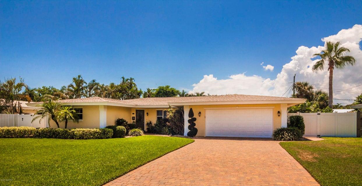 555 Teakwood Avenue, Satellite Beach, FL 32937