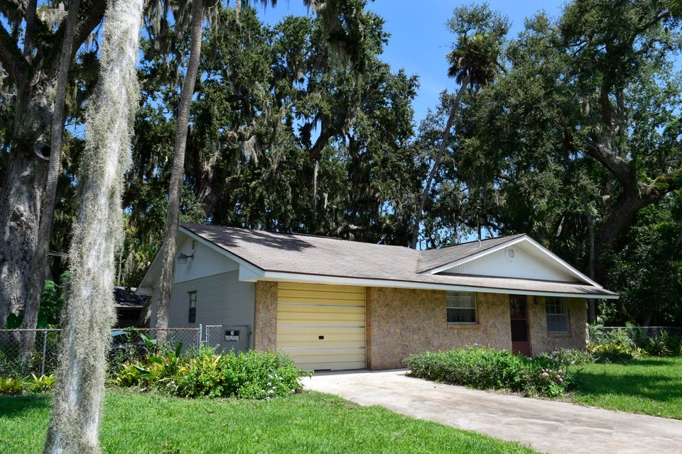 Maison unifamiliale pour l Vente à 2603 Lime Tree 2603 Lime Tree Edgewater, Florida 32141 États-Unis