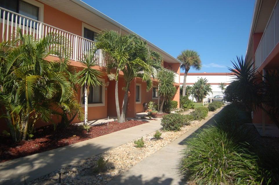 Copropriété pour l Vente à 110 Desoto Satellite Beach, Florida 32937 États-Unis
