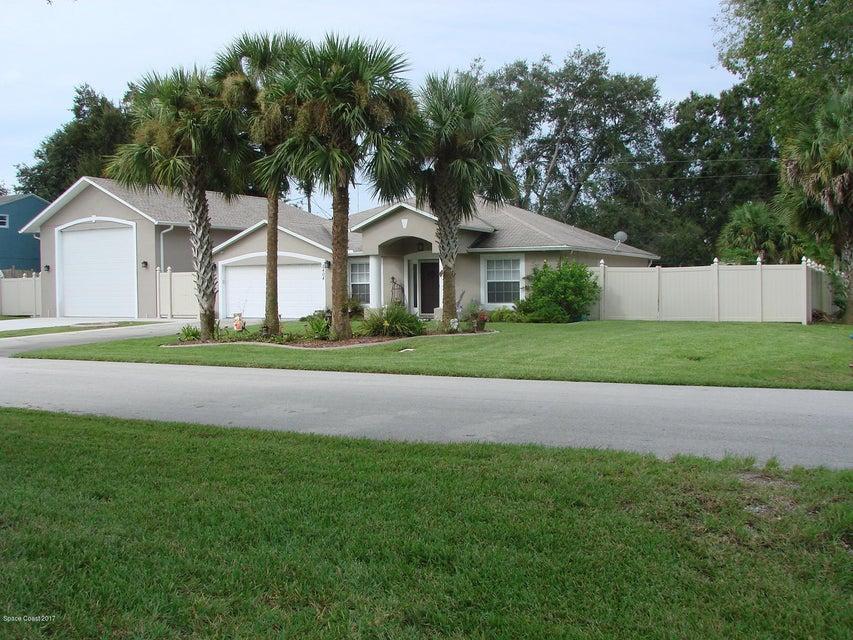 Casa para uma família para Venda às 2404 Travelers Palm Edgewater, Florida 32141 Estados Unidos