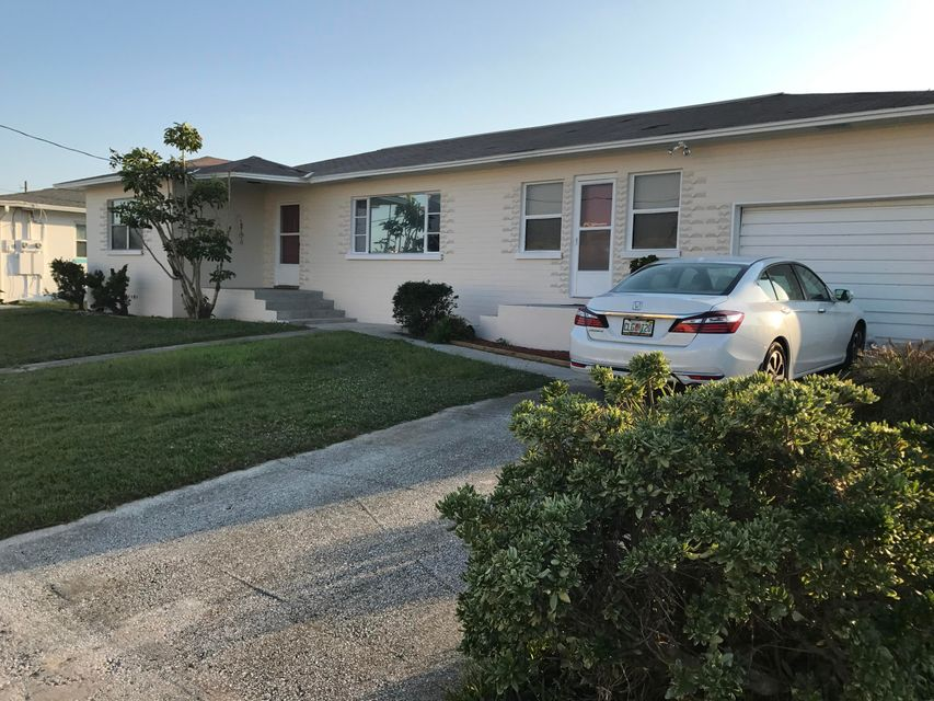 Single Family Home for Sale at 168 Boynton 168 Boynton Daytona Beach Shores, Florida 32118 United States