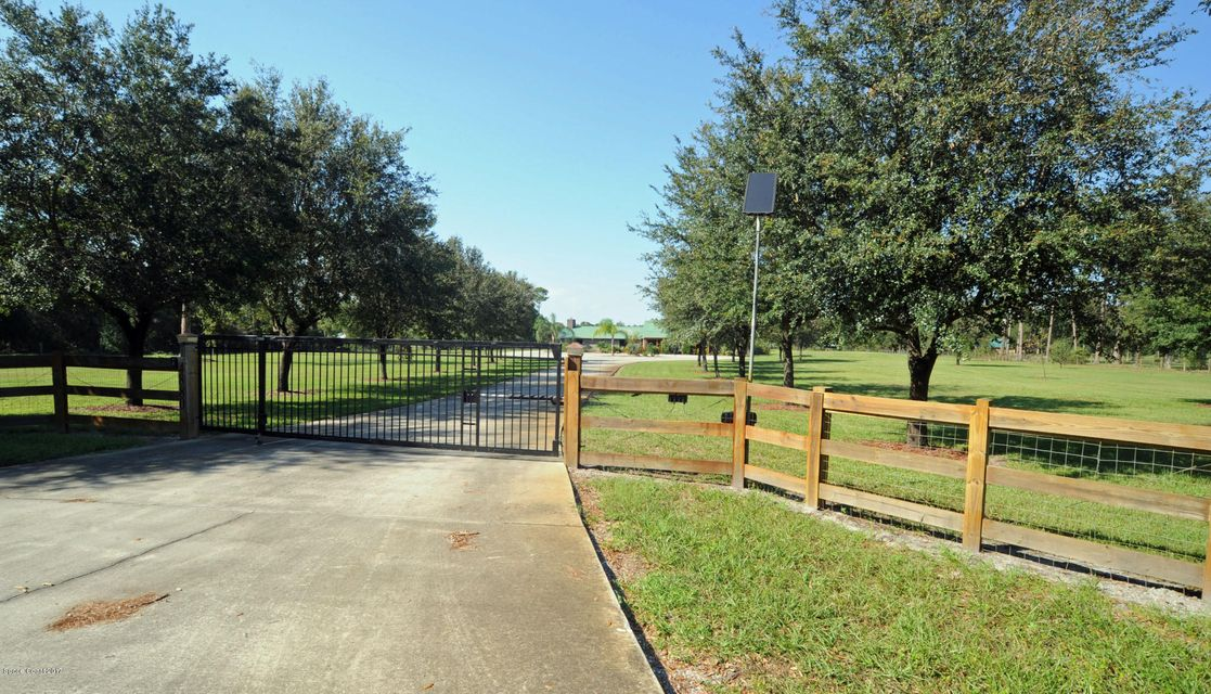 Частный односемейный дом для того Продажа на 4880 Tiger 4880 Tiger Mims, Флорида 32754 Соединенные Штаты