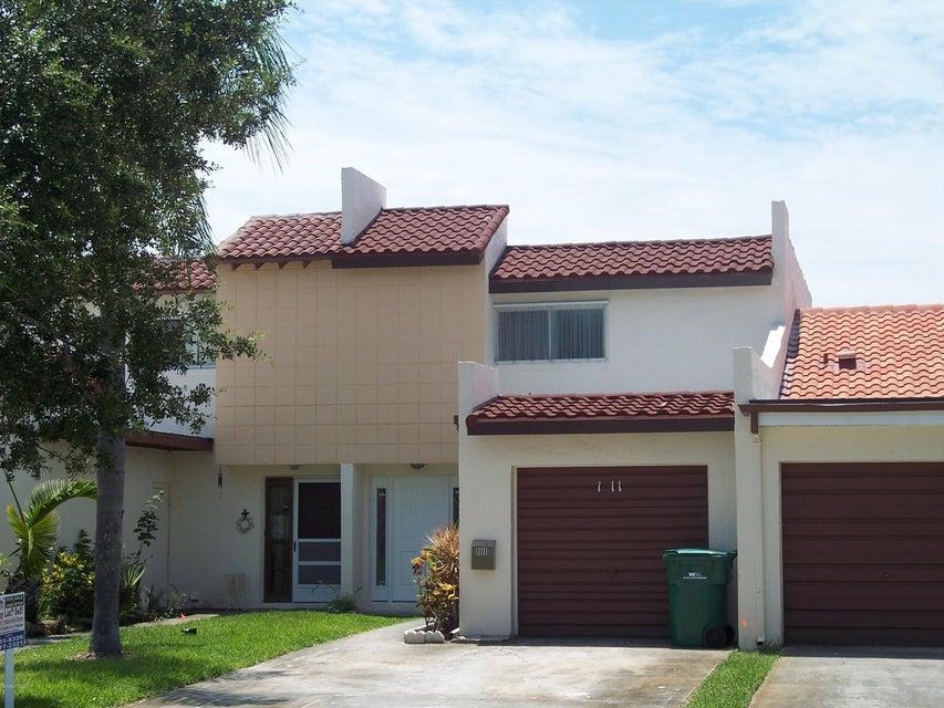 Casa Unifamiliar por un Alquiler en 1111 Ashley 1111 Ashley Indian Harbour Beach, Florida 32937 Estados Unidos