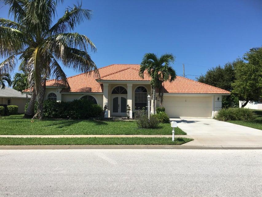 独户住宅 为 出租 在 190 Seaglass 190 Seaglass 墨尔本海滩, 佛罗里达州 32951 美国