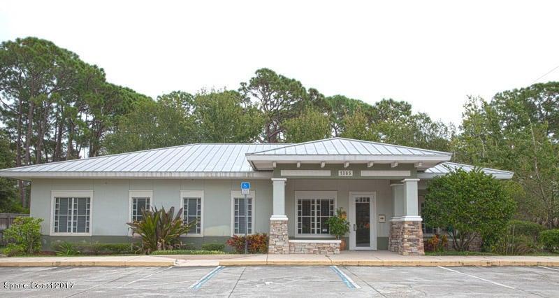 Commercial pour l à louer à 1385 S Wickham 1385 S Wickham West Melbourne, Florida 32904 États-Unis