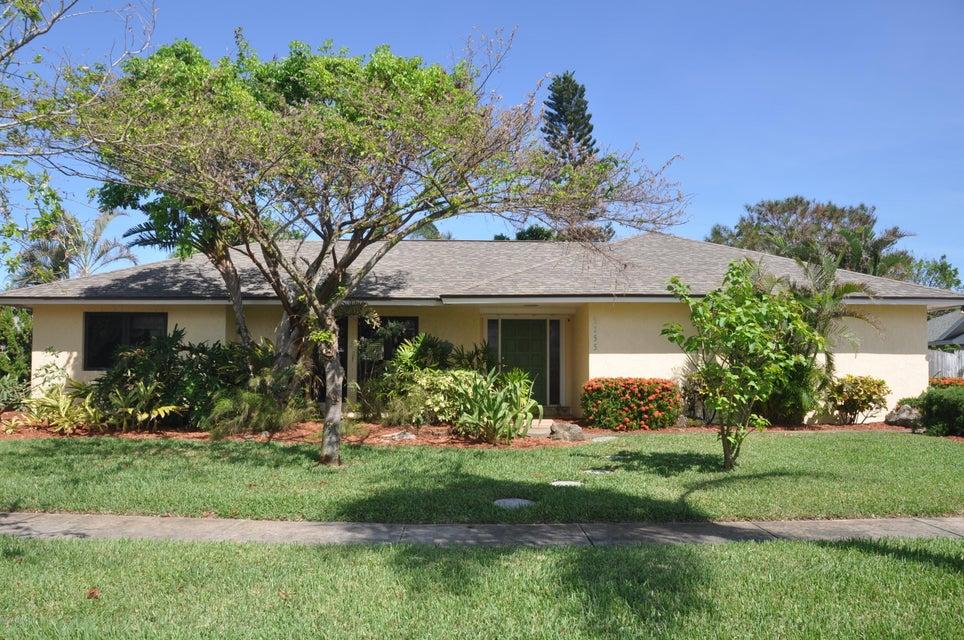 独户住宅 为 出租 在 2255 S River 2255 S River 墨尔本海滩, 佛罗里达州 32951 美国