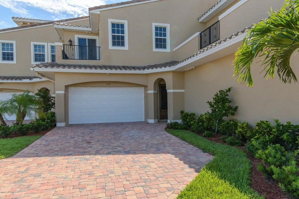 Casa Unifamiliar por un Alquiler en 110 Mediterranean 110 Mediterranean Indian Harbour Beach, Florida 32937 Estados Unidos