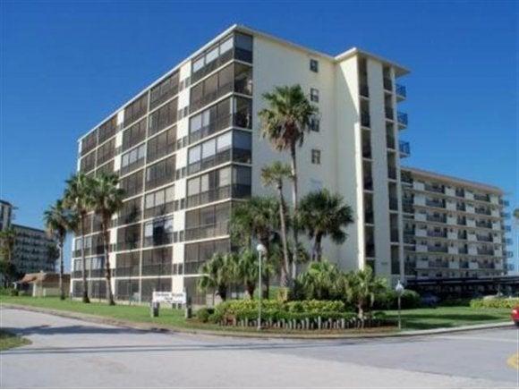 Maison unifamiliale pour l à louer à 500 Palm Springs 500 Palm Springs Indian Harbour Beach, Florida 32937 États-Unis