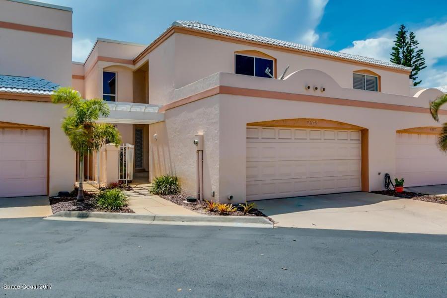 Casa para uma família para Locação às 2278 Venetia 2278 Venetia Indialantic, Florida 32903 Estados Unidos