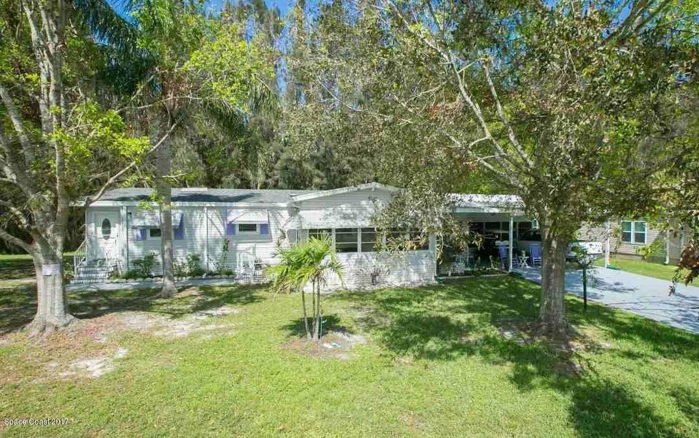 Tek Ailelik Ev için Satış at 481 Papaya 481 Papaya Barefoot Bay, Florida 32976 Amerika Birleşik Devletleri