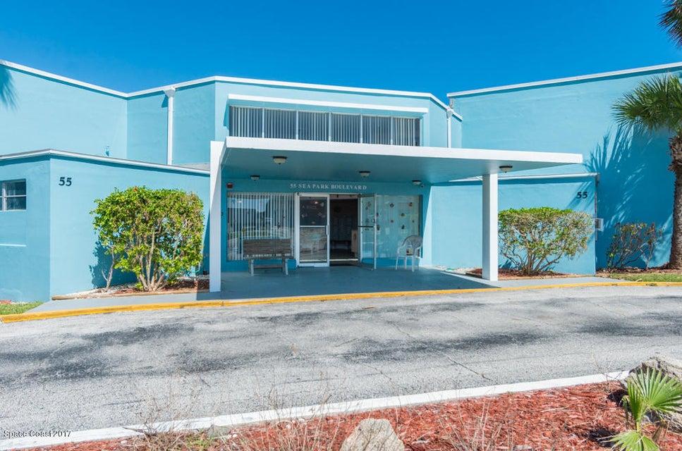 Copropriété pour l Vente à 55 Sea Park 55 Sea Park Satellite Beach, Florida 32937 États-Unis