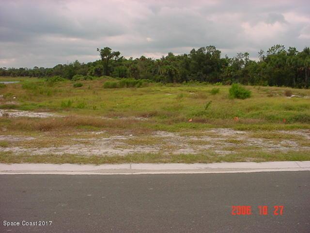 Mark för Försäljning vid 1495 Absaroka 1495 Absaroka Malabar, Florida 32950 Usa