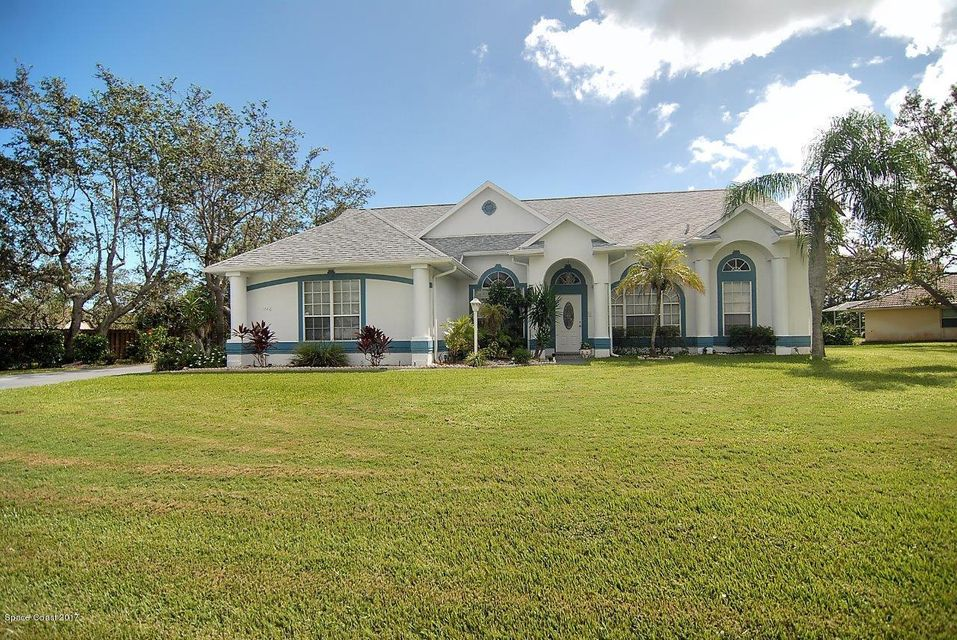 Casa Unifamiliar por un Venta en 1740 Country Cove 1740 Country Cove Malabar, Florida 32950 Estados Unidos