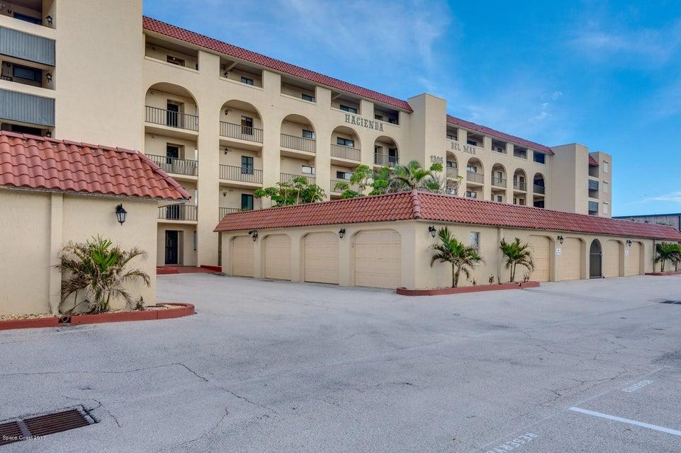 獨棟家庭住宅 為 出租 在 1305 S Atlantic 1305 S Atlantic Cocoa Beach, 佛羅里達州 32931 美國