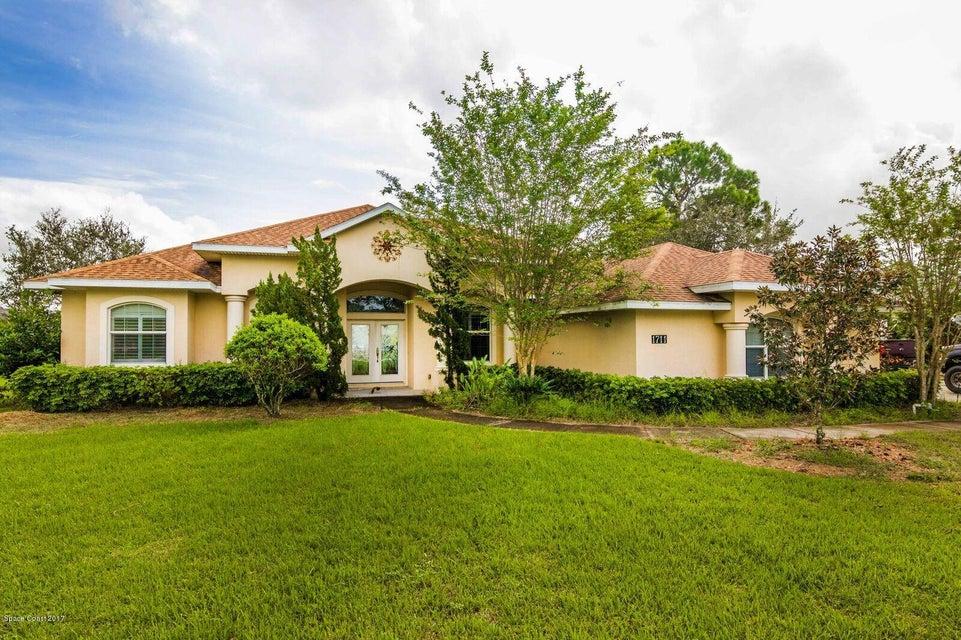 独户住宅 为 销售 在 1711 SE Devonwood 1711 SE Devonwood Palm Bay, 佛罗里达州 32909 美国