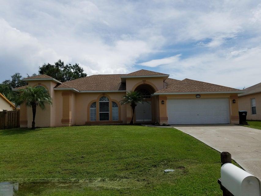 Maison unifamiliale pour l à louer à 384 Abello 384 Abello Palm Bay, Florida 32909 États-Unis