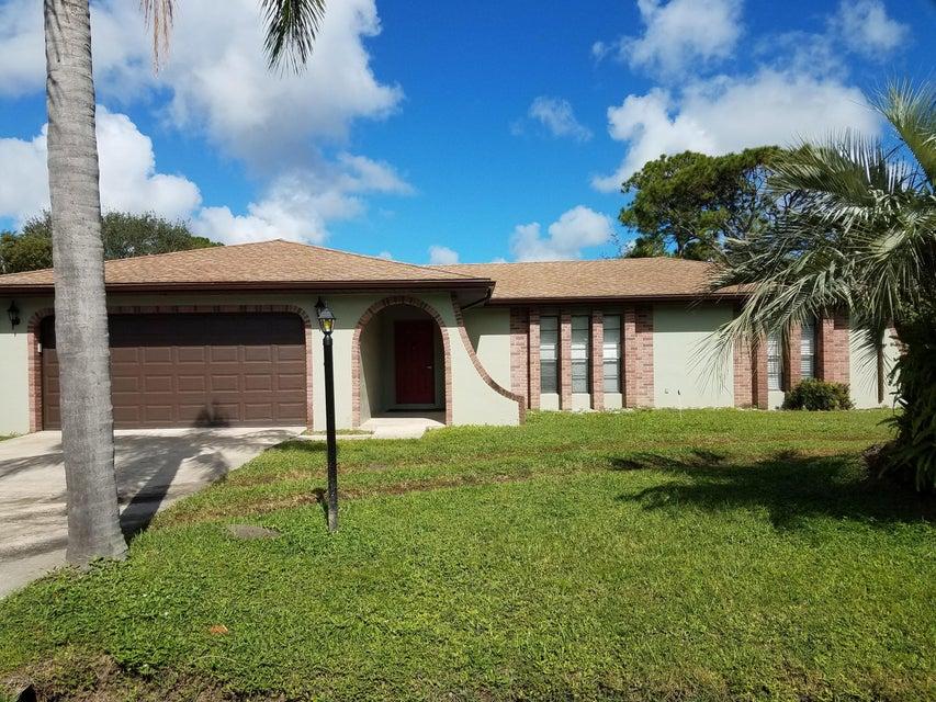 Tek Ailelik Ev için Kiralama at 215 Driskell 215 Driskell Palm Bay, Florida 32907 Amerika Birleşik Devletleri