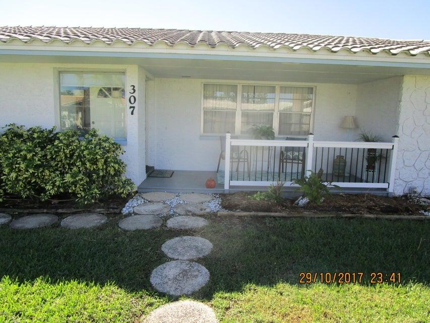 Casa Unifamiliar por un Alquiler en 307 Brightwaters 307 Brightwaters Cocoa Beach, Florida 32931 Estados Unidos