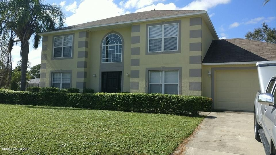 Maison unifamiliale pour l à louer à 2596 Emerson 2596 Emerson Palm Bay, Florida 32909 États-Unis