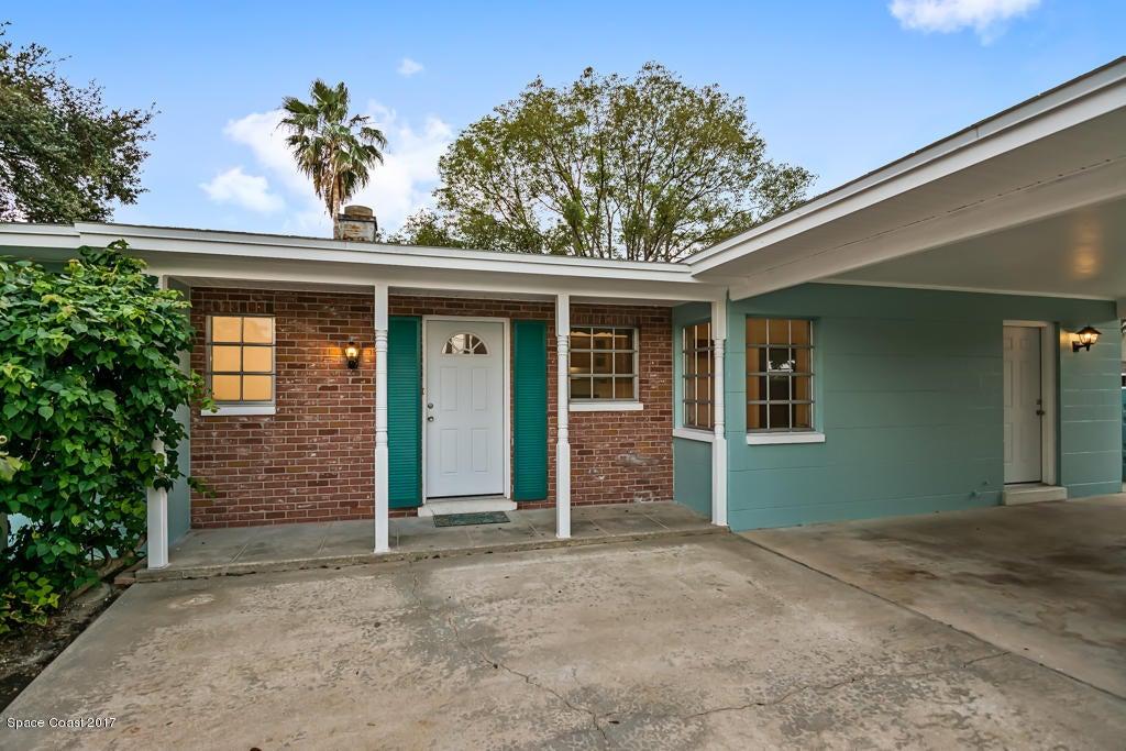 Nhà ở một gia đình vì Bán tại 725 N Tropical 725 N Tropical Merritt Island, Florida 32953 Hoa Kỳ