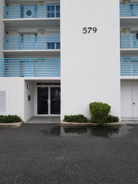 Nhà ở một gia đình vì Thuê tại 579 Highway A1a 579 Highway A1a Satellite Beach, Florida 32937 Hoa Kỳ