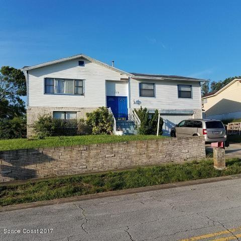 Enfamiljshus för Försäljning vid 1319 S Shangri La 1319 S Shangri La Daytona Beach, Florida 32119 Usa