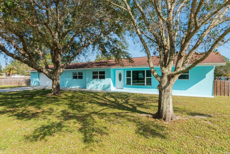 Tek Ailelik Ev için Satış at 9845 Honeysuckle 9845 Honeysuckle Micco, Florida 32976 Amerika Birleşik Devletleri