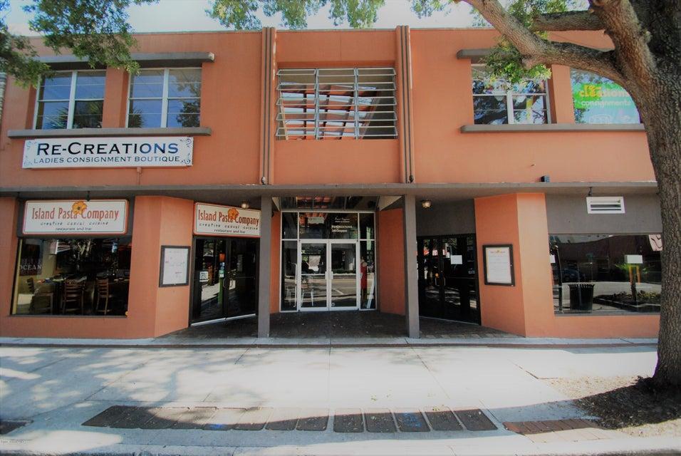 Comercial para Arrendamento às 901 E New Haven 901 E New Haven Melbourne, Florida 32901 Estados Unidos