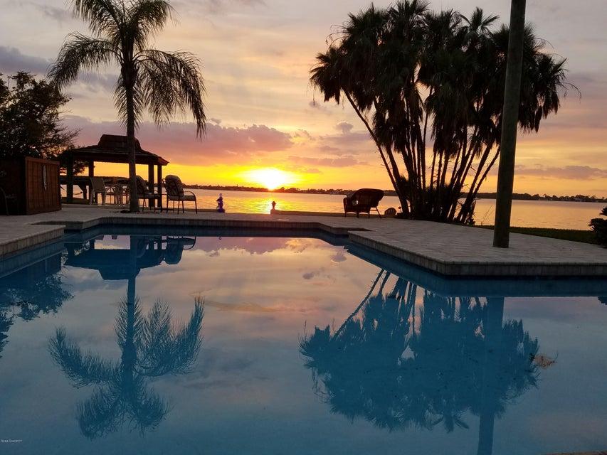 Einfamilienhaus für Verkauf beim 72 Country Club 72 Country Club Cocoa Beach, Florida 32931 Vereinigte Staaten