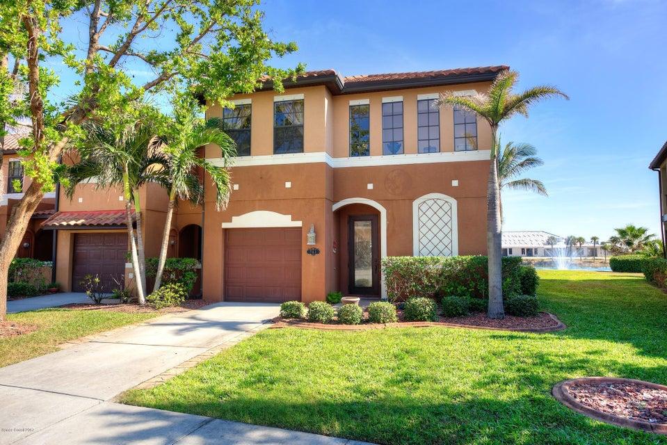 Maison unifamiliale pour l Vente à 741 Ventura 741 Ventura Satellite Beach, Florida 32937 États-Unis